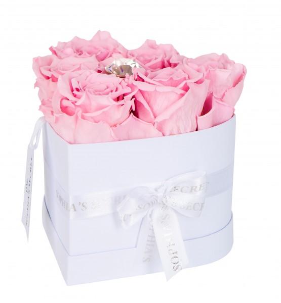 Rosenbox Herz weiß veredelt mit einer runden Blumennadel mit Swarovski® Kristallen